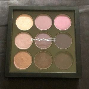 2 Gently used Palettes! Mac & Urban Decay